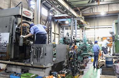 工場内作業の様子